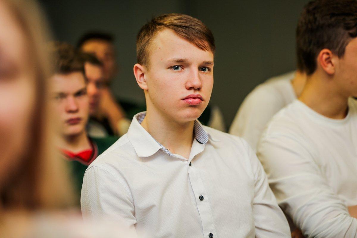 Девушки из ЖФК «Локомотив» в школе!