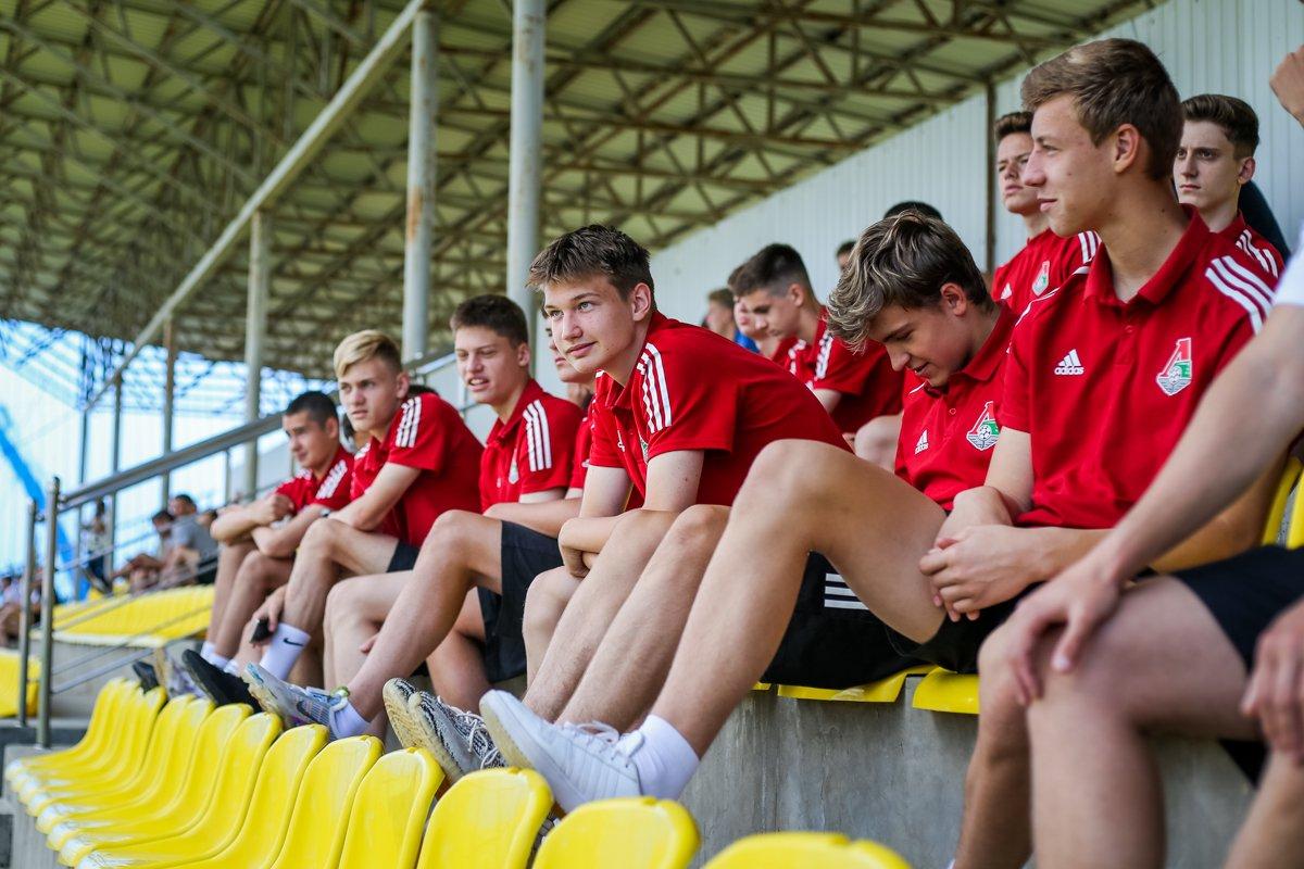 Команда 2006 г.р. отправилась в Крымск