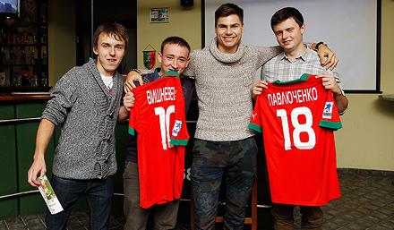 Болельщики «Локо» поздравили Максима Беляева в «Вагоне»