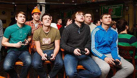 Сразись с игроками «молодежки» в FIFA 13!