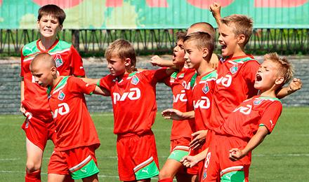 футбольный клуб локомотив москва для детей