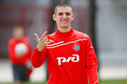 Тарас Бурлак: «Евро-2012? Для начала нужно стабильно играть за клуб»