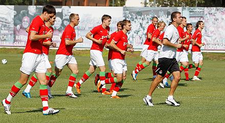 «Локомотив» готовится к матчу с «Амкаром»