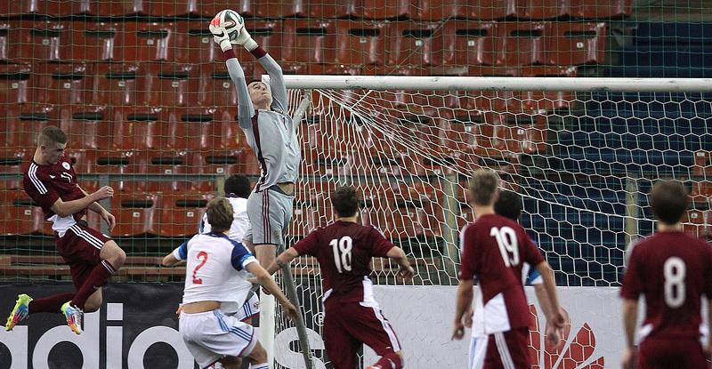 Илья Лантратов провел «на ноль» первый матч на Кубке Содружества