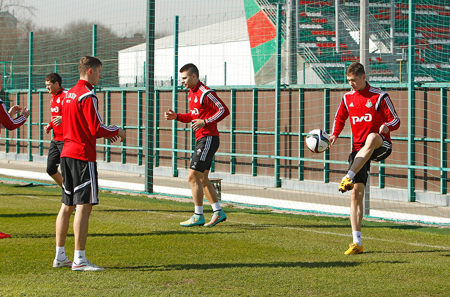 Photoshoot and training before the match against «Mordovia»