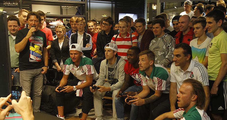 «Локомотив» презентовал FIFA 16 в магазине adidas