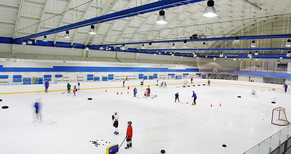 Ледовый дворец будет работать все лето