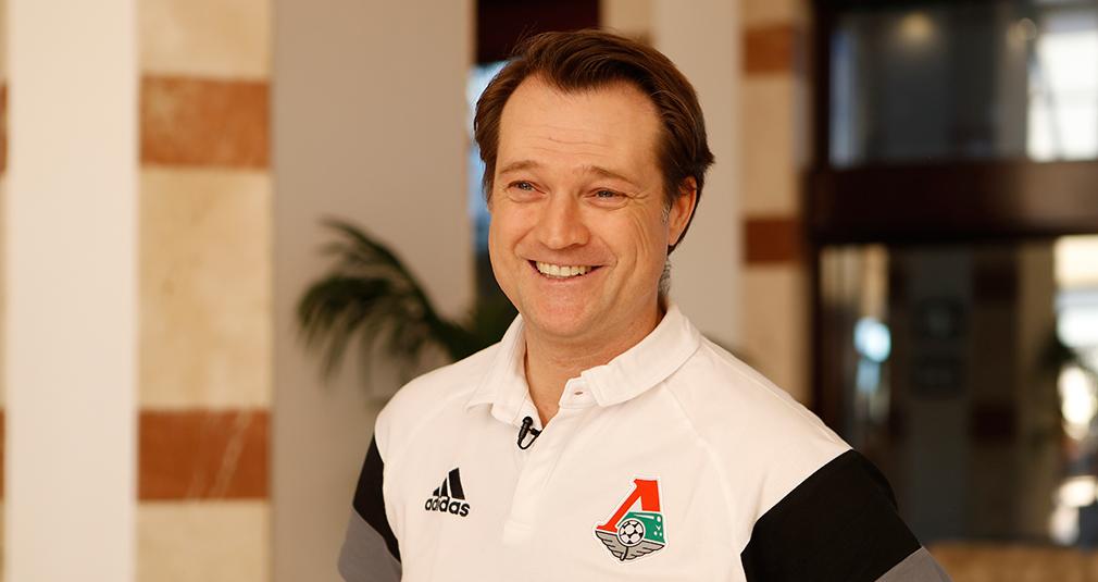 Эрик Штоффельсхаус - спортивный директор клуба
