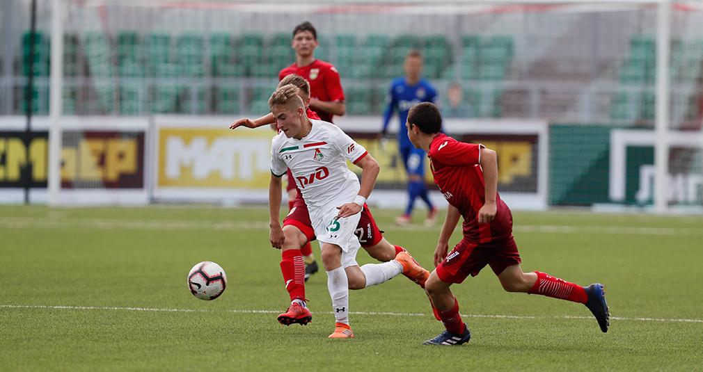 Трое футболистов «молодежки» - в сборной