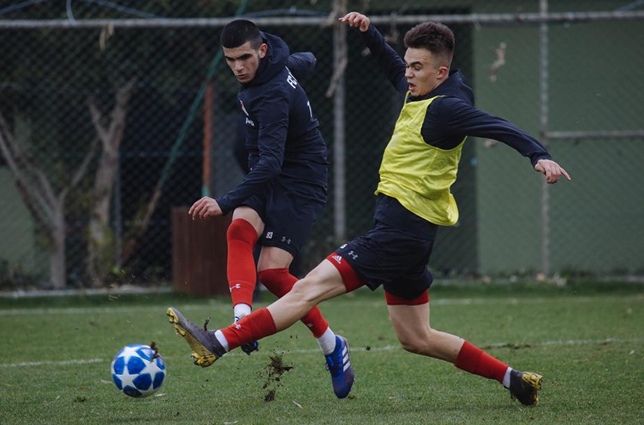 Молодежка тренируется в Турции