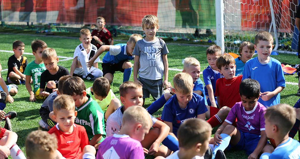 600 детей на отборе в Академию «Локо»!