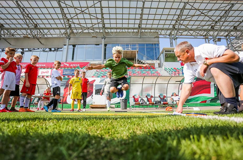 Второй день отбора в Академию «Локомотива»