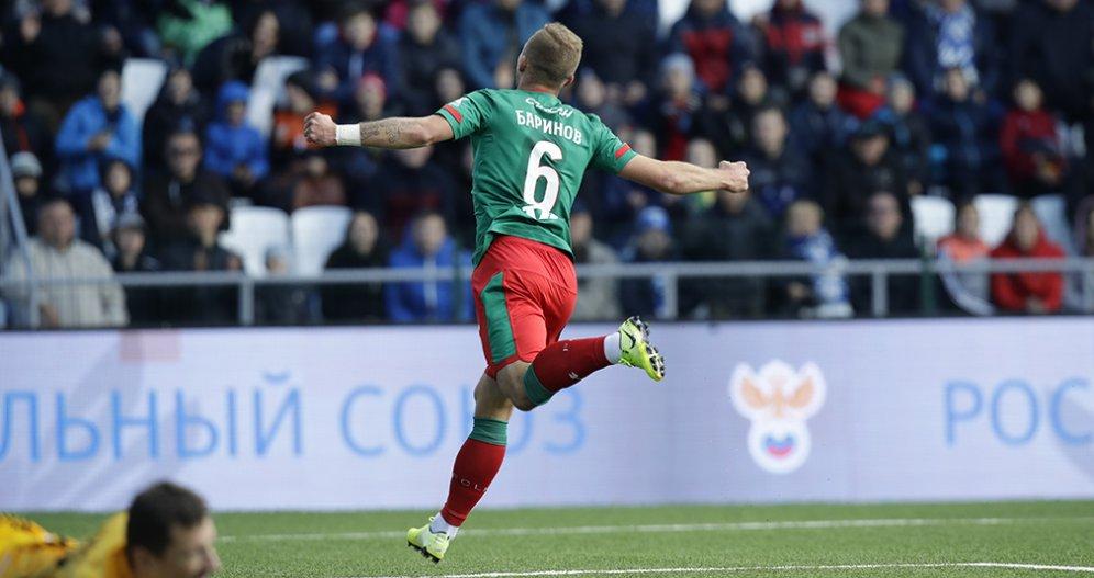 Шикарный матч Баринова, голы Смолова и Эдера. «Локомотив» победил «Оренбург»