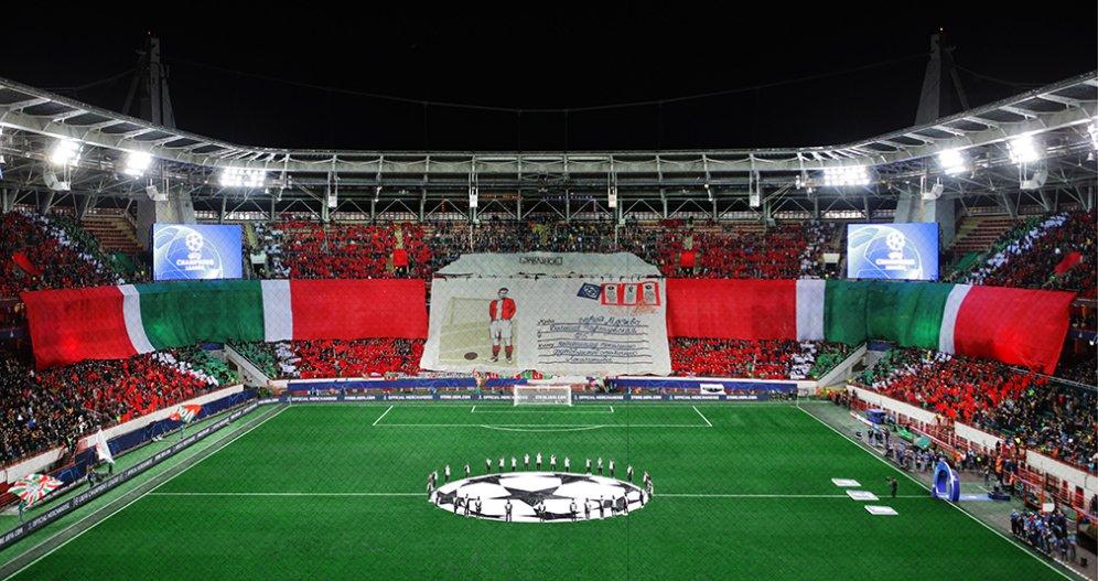 Пять полотен, почти  три километра ткани  и 52 литра краски. Как создавали перфоманс на матче с «Атлетико»