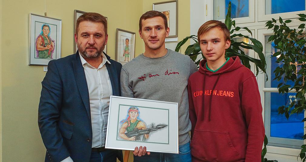 Открылась выставка шаржей на игроков «Локомотива»