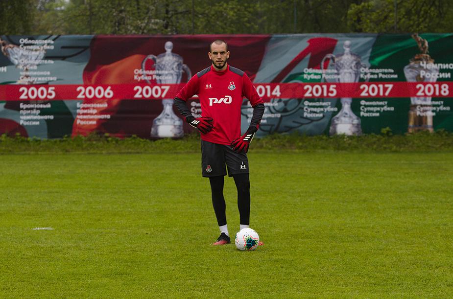 «Локомотив» тренируется в Баковке